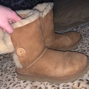 COPY - UGG Boots Button Bailey